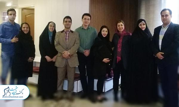 عکس یادگاری کلاس نشاط مادری دکتر حشمت